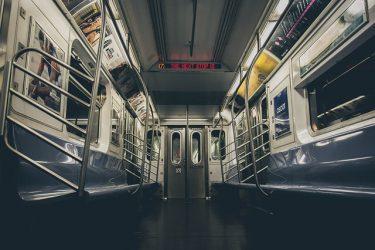 地下鉄の夢 夢占い