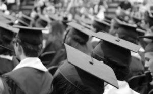 卒業式 夢占い